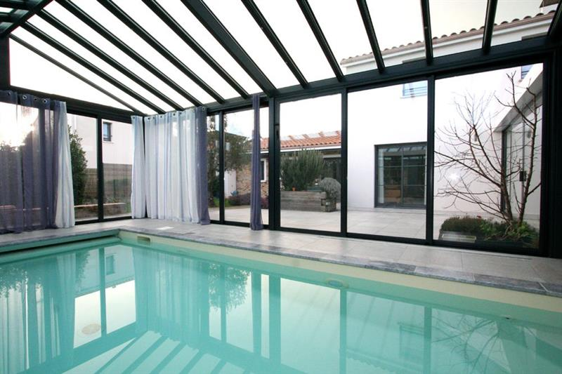 Vente maison pornic magnifique contemporaine de 2008 for Piscine treillieres