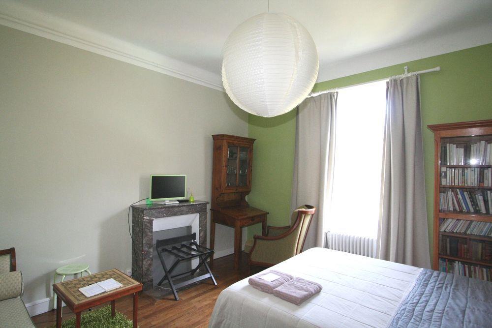 vente propri t nantes au sud de nantes belle propri t. Black Bedroom Furniture Sets. Home Design Ideas