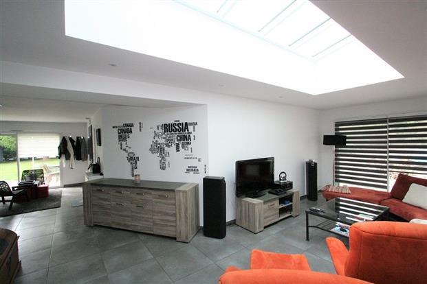 Vente maison vigneux de bretagne jolie r cente salon 68 for Garage des vigneux