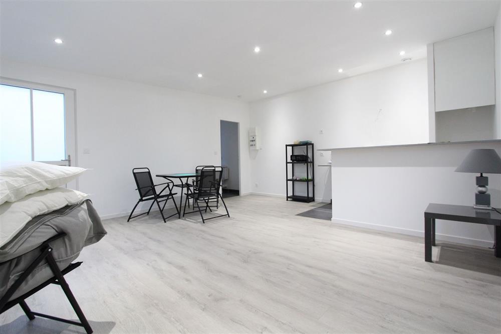 vente appartement nantes jolie maison appartement proche tramway nord loire transactions. Black Bedroom Furniture Sets. Home Design Ideas